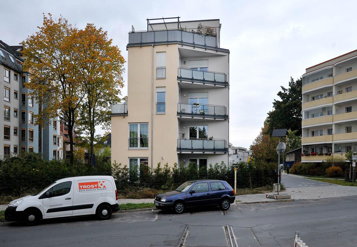 Mehrfamilienhaus  mehrgeschossig  und Dachterrasse.jpg