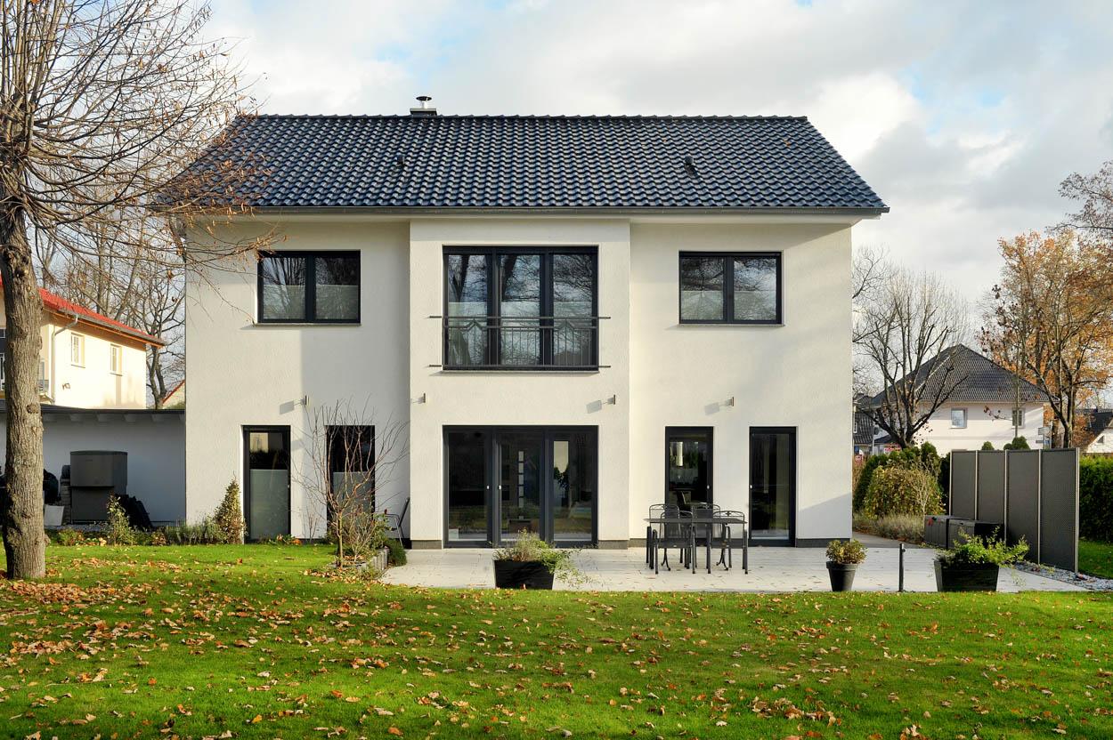 Stadtvilla modern  Falkenhaus Bau | Satteldachhaus